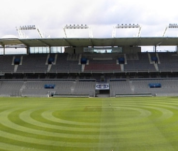 Renovation de la pelouse du Stadium de Toulouse (2002)